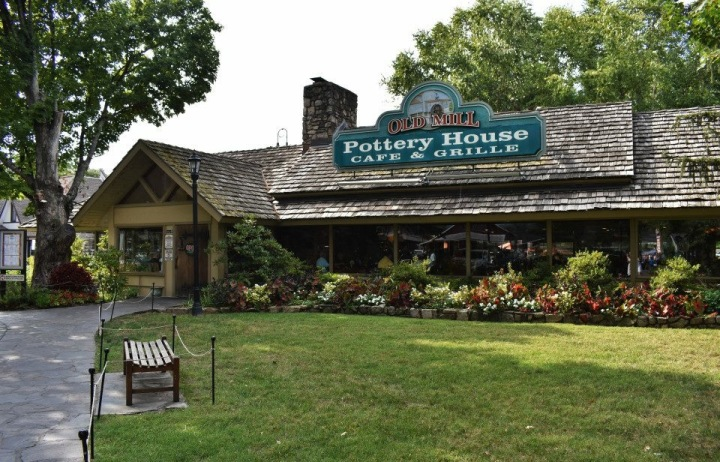 5 OF THE BEST RESTAURANTS IN PIGEONFORGE